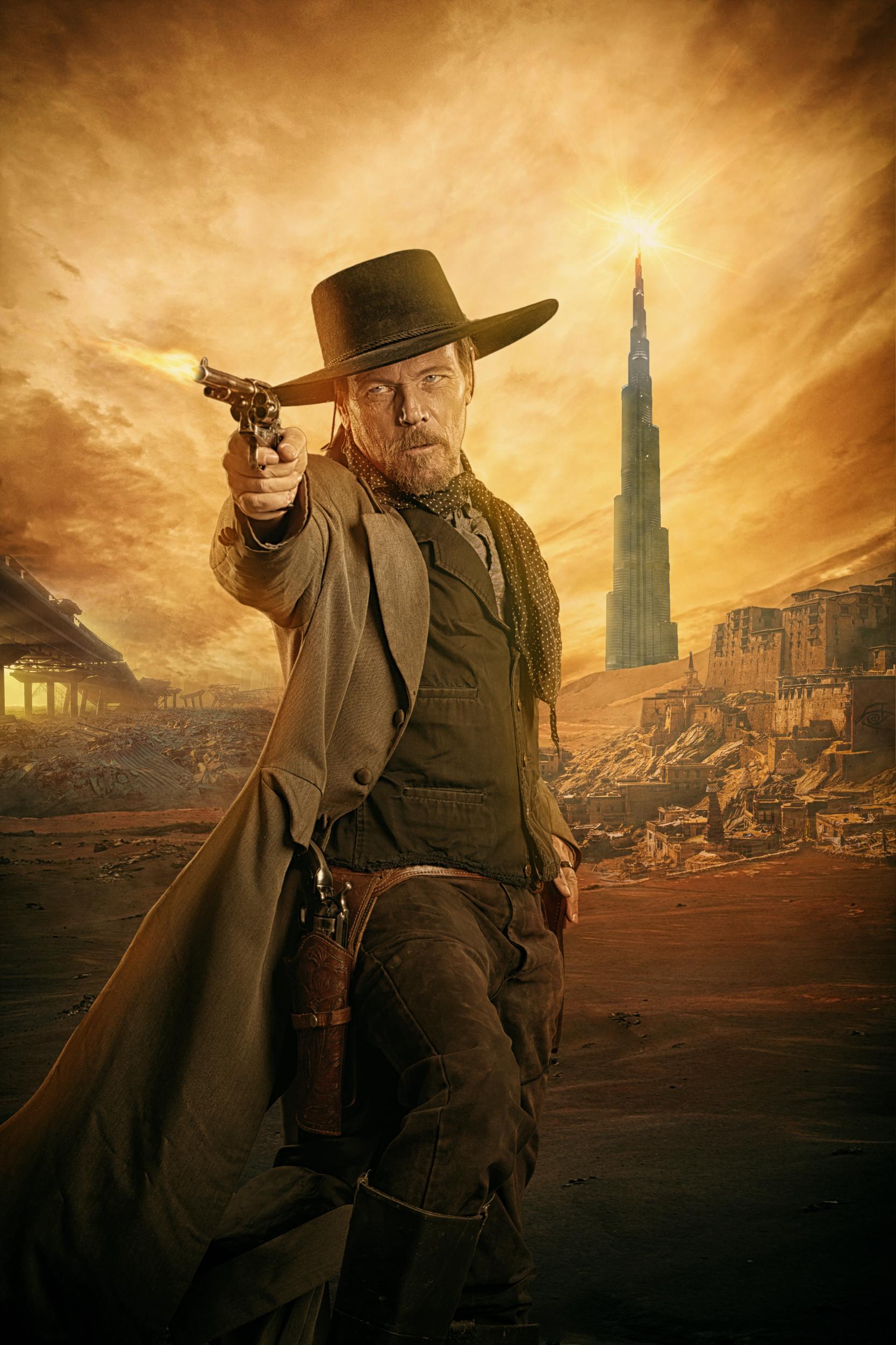 Roland Deschain, Gunslinger from Stephen King's Dark Tower story photographed by Paul Davis Photography, Tucson, Arizona.
