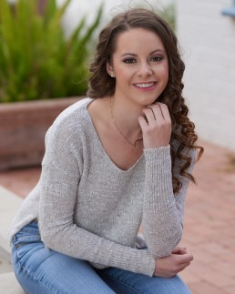 Seniors photography: Maddy's senior portrait session. Photos taken by Paul Davis Photography in Tucson, Arizona.