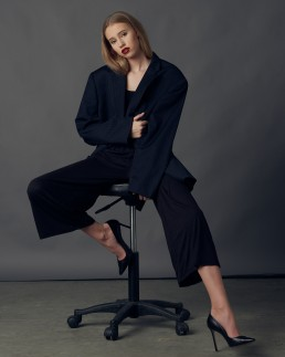 Fashion portrait session with Taryn taken in the studio by Paul Davis Photography, Tucson, Arizona